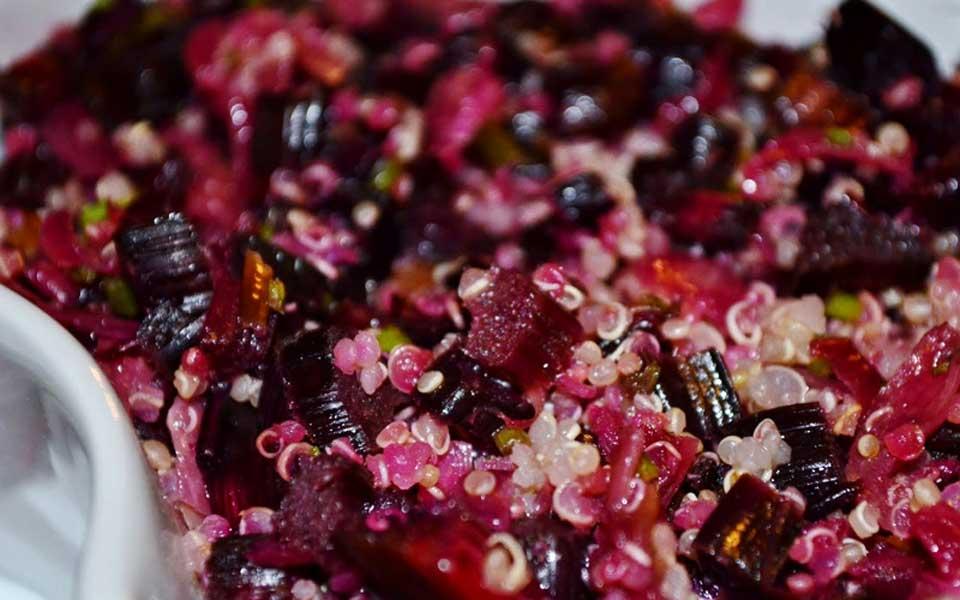 salada-de-beterraba-com-quinoa
